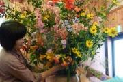 Flower arranging for meeting.