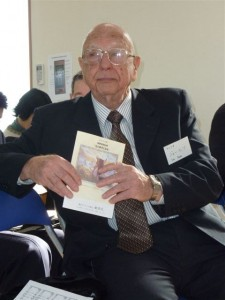 Joe Betts along with his wife Ruth worked with the Ibaraki Christian College from 1956 until 2005. They also worked with the Ochanomizu and Yokota congregations.